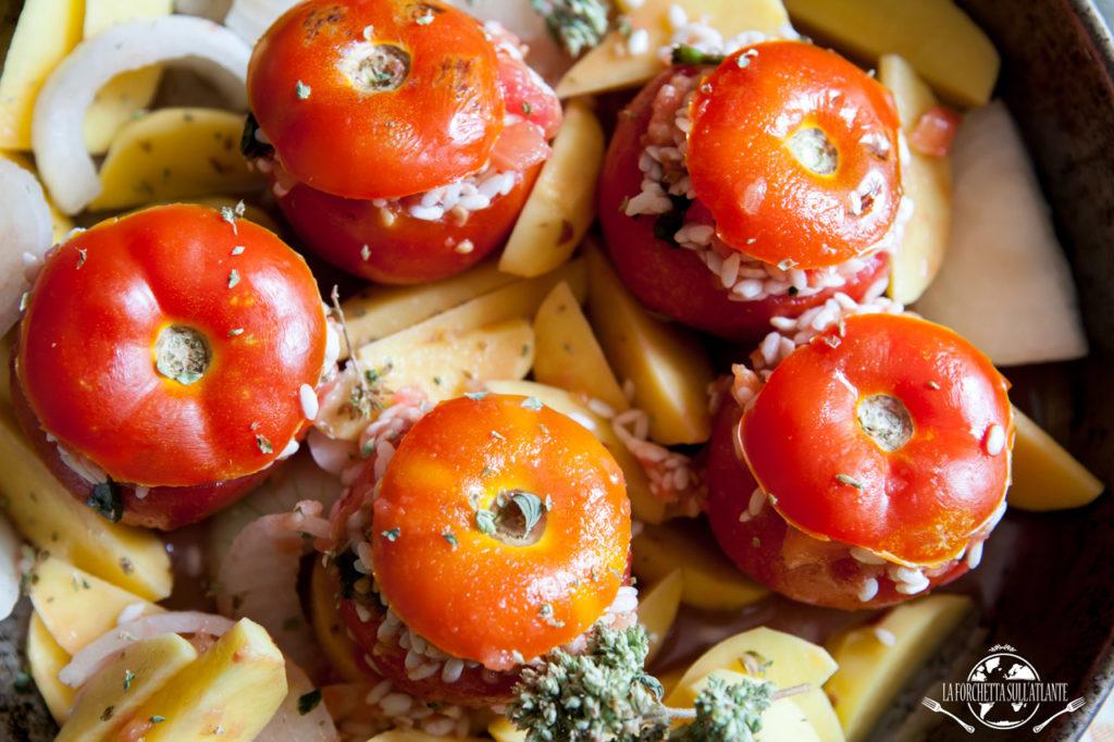 Pomodori col riso_ la forchetta sull'atlante