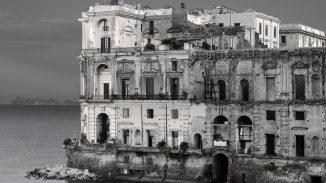 Cartoline dall' Italia: viaggio nei luoghi abbandonati del paese